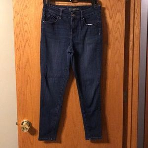 The Limited ankle skinny jean